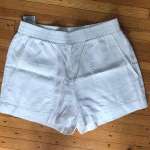 BCBG white pull on high waisted shorts
